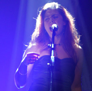 Marie McNally Singing with UK Pink Floyd Experience
